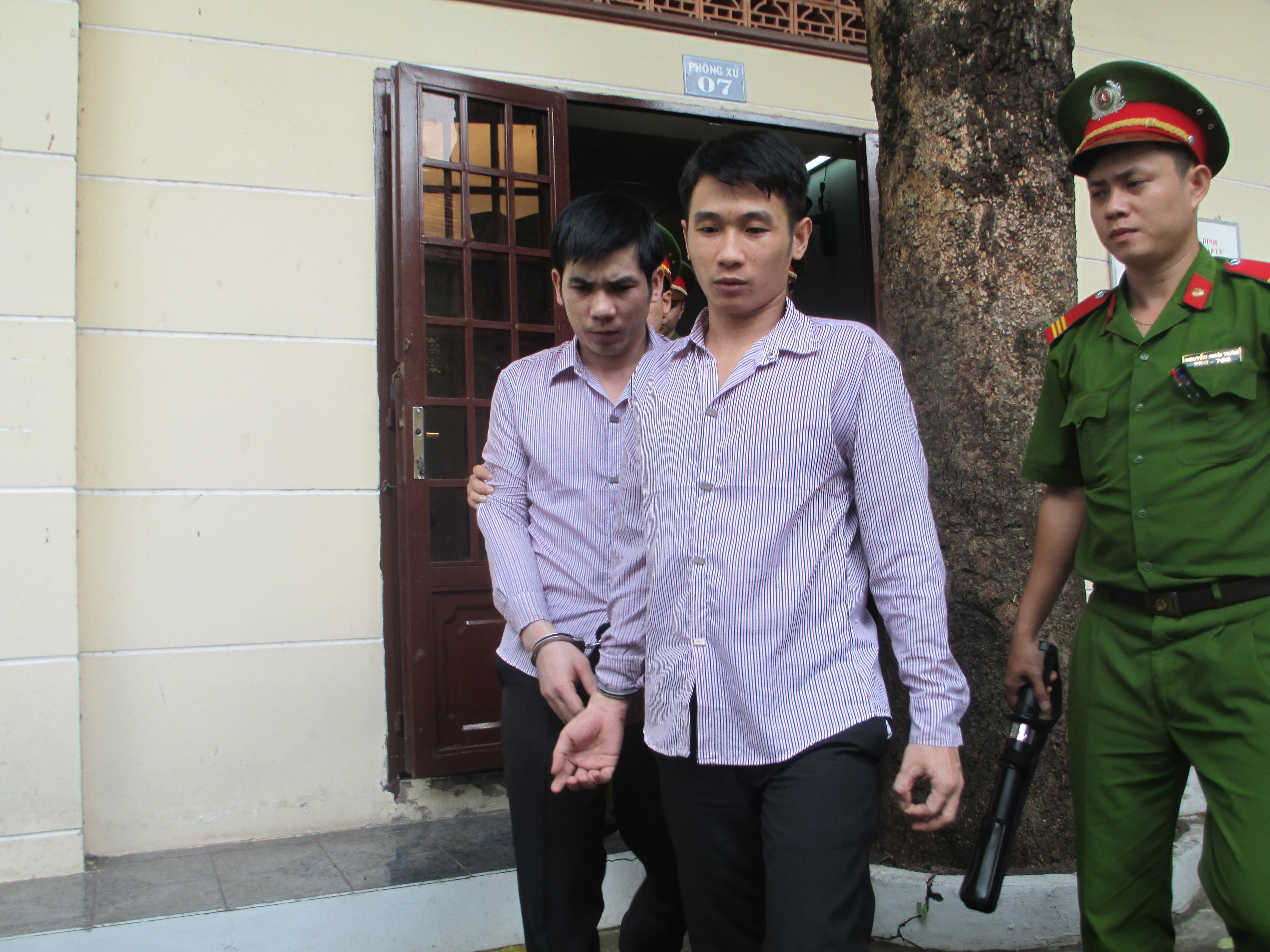Khuya cùng anh vợ sau phiên tòa sáng 12-9