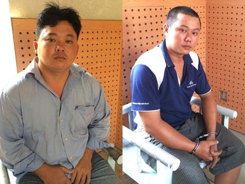 Lâm Thái An (bên trái) và Nguyễn Thành Đạt tại cơ quan công an