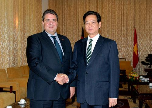 Thủ tướng Nguyễn Tấn Dũng tiếp Phó Thủ tướng Đức Sigmar Gabriel