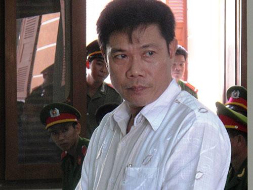 Ông Lê Đức Hoàn tại phiên tòa phúc thẩm vụ 5 công an dùng nhục hình dẫn đến chết người