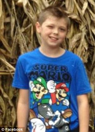 Vị anh hùng nhỏ tuổi Tyler Doohan cứu 6 người thân thoát nạn. Ảnh: Facebook