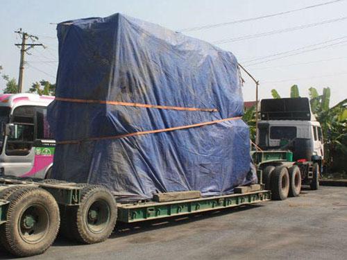 Xe chở biến áp khủng bị Thanh tra Giao thông Nghệ An bắt giữ
