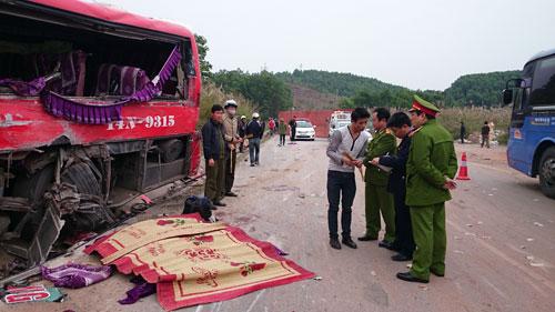 Hiện trường vụ tai nạn làm 6 người chết tại tỉnh Quảng NinhẢnh: TRỌNG ĐỨC