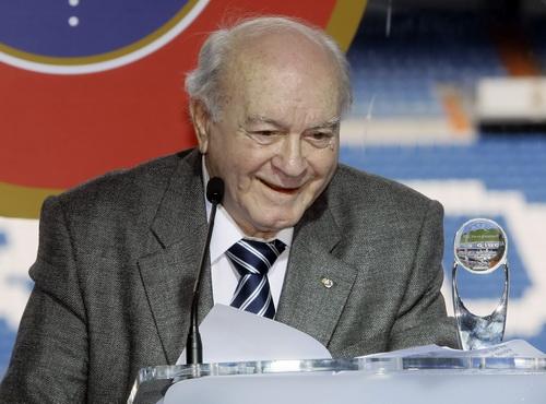 Trong vai trò chủ tịch danh dự Real Madrid 2008