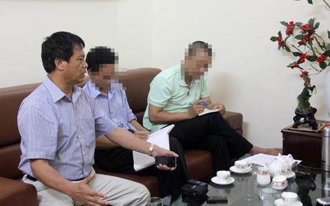 Ông Trần Ngọc Sơn (bìa trái). Ảnh: Vietnamnet
