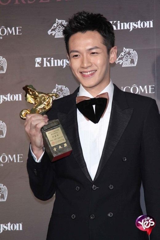 Chấn Đông là sao trẻ thành công khi nhận được nhiều giải thưởng
