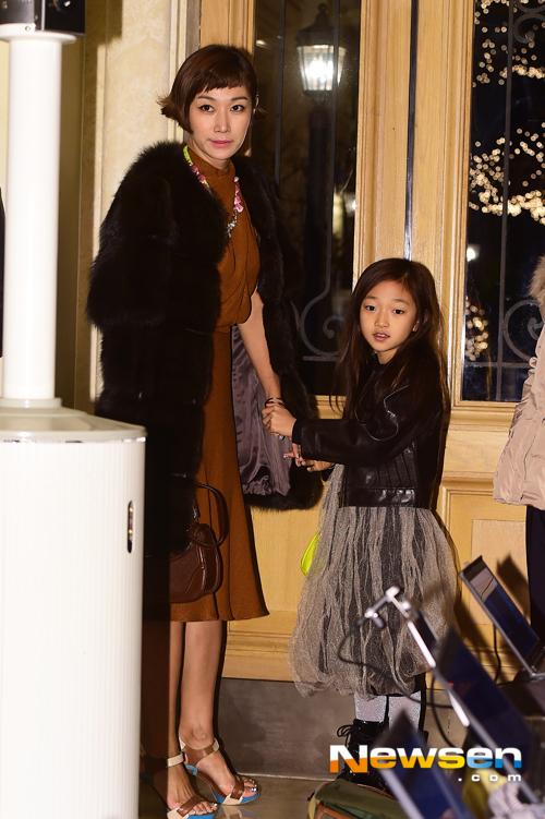 Byun Jung Soo và con gái