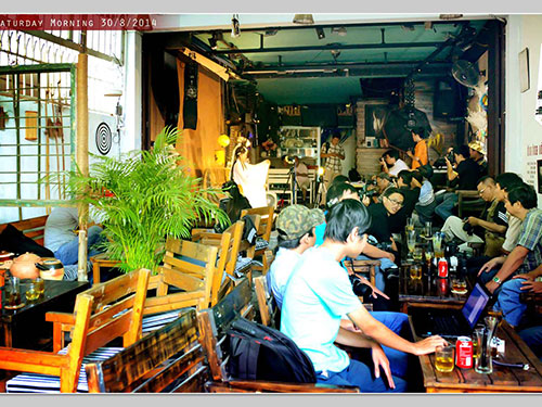 Quán cà phê DOF - Nơi tụ họp của dân nhiếp ảnh đủ mọi thành phần. (Ảnh do DOF cung cấp)