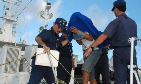 Thuyền trưởng tàu cá Trung Quốc Chiêm Kỳ Hùng bị Nhật Bản bắt vì đâm tàu tuần tra nước này năm 2010. Ảnh: AP