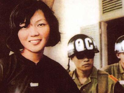 Nụ cười chiến thắng của bà Võ Thị Thắng trong ngày bị kết án 20 tù khổ sai năm 1968