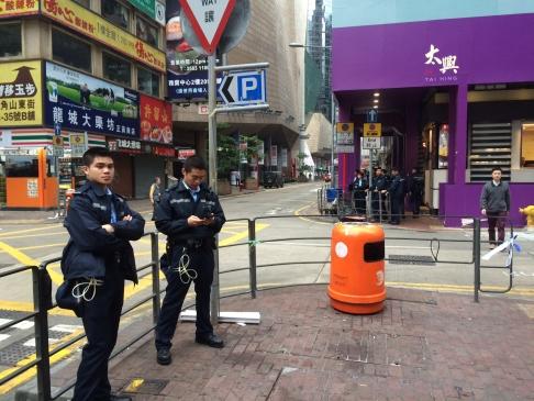Khu Mong Kok (Vượng Giác) đã tạm yên vào sáng 27-11. Ảnh: SCMP