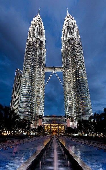 Tòa tháp đôi nổi tiếng ở Kuala Lumpuar