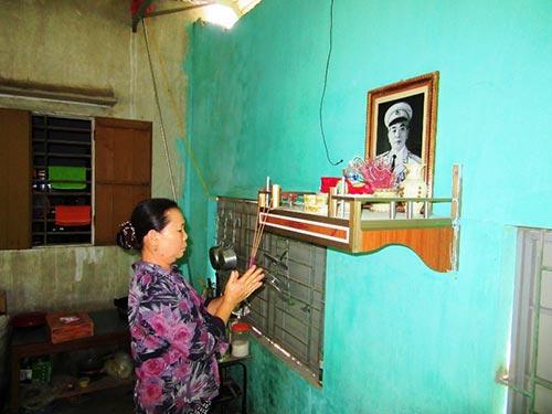 Nhiều gia đình ở Quảng Bình lập bàn thờ riêng để tưởng nhớ Đại tướngẢnh: Trần Phúc