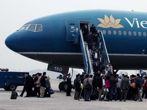 Lao động ở Libya về nước năm 2011. Ảnh: Nguyễn Quyết