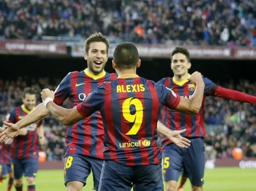Barcelona trở lại ngôi đầu bằng chiến thắng thuyết phục