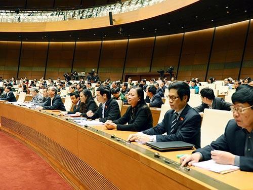 Chủ tịch QH Nguyễn Sinh Hùng nhấn mạnh lấy phiếu tín nhiệm là việc làm hệ trọng  Ảnh: HOÀNG NGỌC