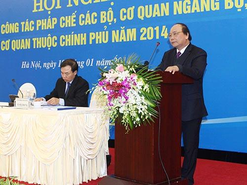 Phó Thủ tướng Nguyễn Xuân Phúc lưu ý hiện nay, cán bộ giỏi đều không muốn làm công tác pháp chế  Ảnh: TTXVN