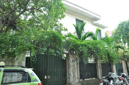 Biệt thự 12 Nguyễn Chế Nghĩa (Hà Nội) vẫn chưa được nguyên Chủ tịch UBND TP Hà Nội, ông Hoàng Văn Nghiên, trả lại dù ông đã nghỉ hưu Ảnh: BẢO TRÂN