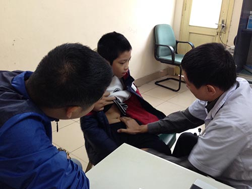 Người già, trẻ nhỏ khi nhiễm cúm nên đến cơ sở y tế để được khám và điều trị kịp thời