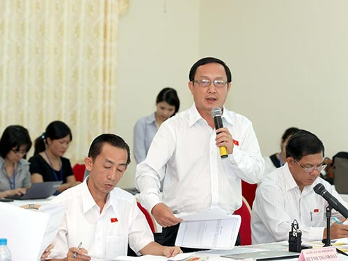 Đại biểu Huỳnh Thành Đạt (TP HCM) phát biểu tại thảo luận tổ Ảnh: NGỌC THẮNG