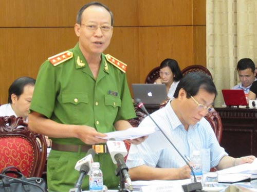 Thượng tướng Lê Quý Vương, Thứ trưởng Bộ Công an, phát biểu tại phiên giải trình  Ảnh: ĐỖ DU