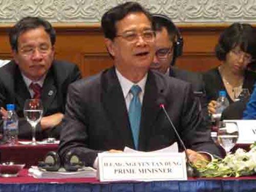 Thủ tướng Nguyễn Tấn Dũng khẳng định sẽ hỗ trợ các doanh nghiệp đang gặp khó khăn phục hồi sản xuất Ảnh: QUỐC TUẤN