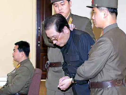 Ông Jang Song-thaek tại phiên tòa vào tháng 12-2013. Ảnh: EPA