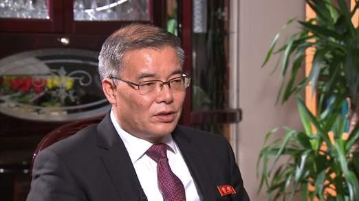 Đại sứ Triều Tiên tại Anh Han B. Ảnh: Sky News