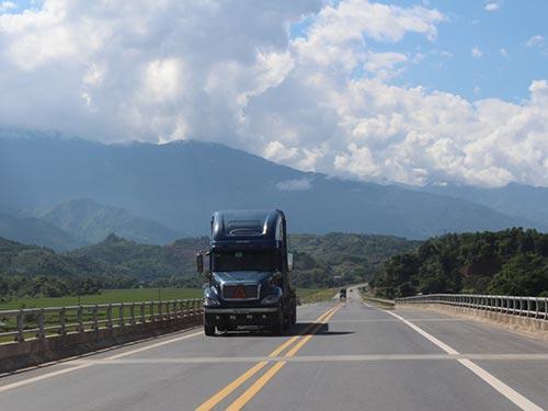 245 km đường cao tốc Nội Bài - Lào Cai chính thức được thông xe toàn tuyến từ sáng nay, 21-9
