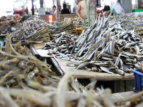 Điểm thú vị ở chợ thủy hải sản khô lớn nhất Sài Gòn
