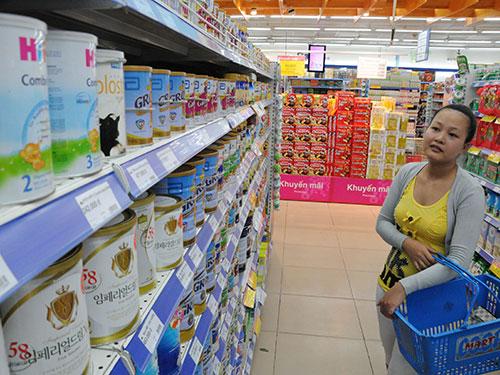 Việc các doanh nghiệp sữa đòi tăng giá sẽ sớm được làm rõ Ảnh: Hồng Thúy