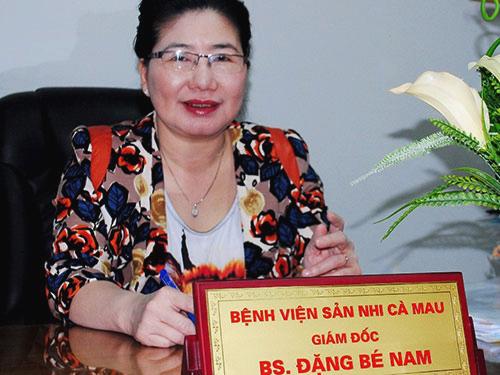 Bà Đặng Bé Nam vừa được tái bổ nhiệm làm Giám đốc BV Sản-Nhi Cà Mau thêm 3 năm dù đến tuổi nghỉ hưu từ 1-6-2015 - Ảnh: Duy Nhân