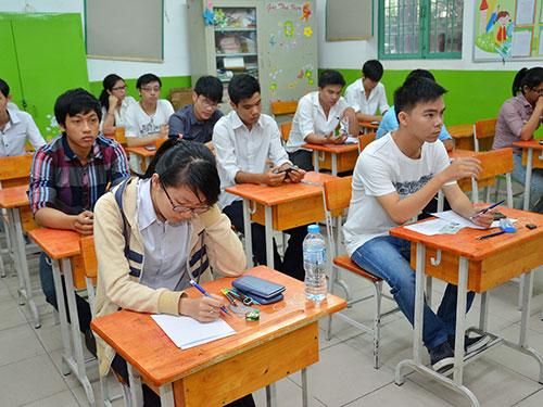 Thí sinh dự thi vào Trường ĐH Y Dược TP HCM tại điểm thi Trường Tiểu học Nguyễn Thái HọcẢnh: TẤN THẠNH