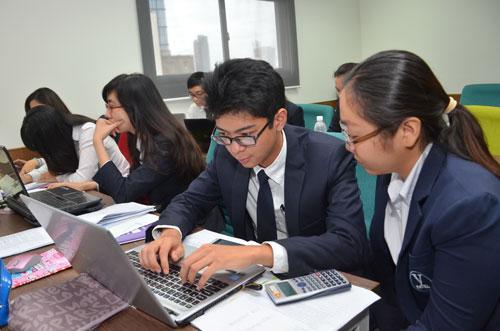 Sinh viên tham gia một tiết học tại Trường ĐH Hoa Sen Ảnh: TẤN THẠNH
