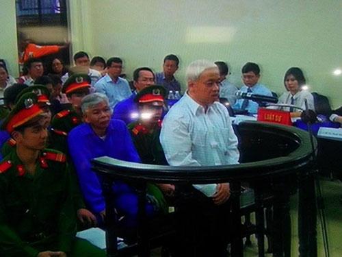 Bị cáo Nguyễn Đức Kiên tại phiên tòa phúc thẩm. (Ảnh chụp qua tivi)