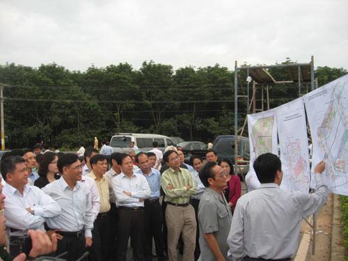Đoàn công tác của Quốc hội khảo sát thực tế tại vị trí dự kiến thực hiện dự án sân bay Long Thành
