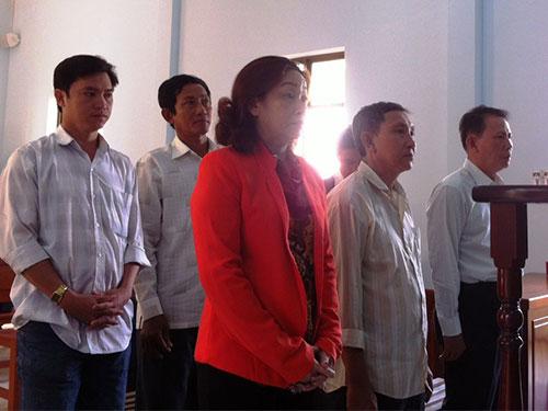 Các bị cáo tại phiên tòa ngày 20-1