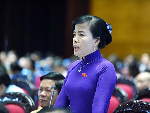 Đại biểu Nguyễn Thị Kim Thúy (Đà Nẵng) yêu cầu làm rõ về tài sản của Phó Tổng Thanh tra Chính phủ Ảnh: LONG THẮNG