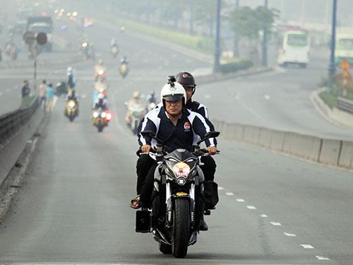 Từ ngày 1-3, người dân có nhu cầu sẽ được thi bằng lái mô tô phân khối lớn  (hạng A2)Ảnh: QUANG LIÊM