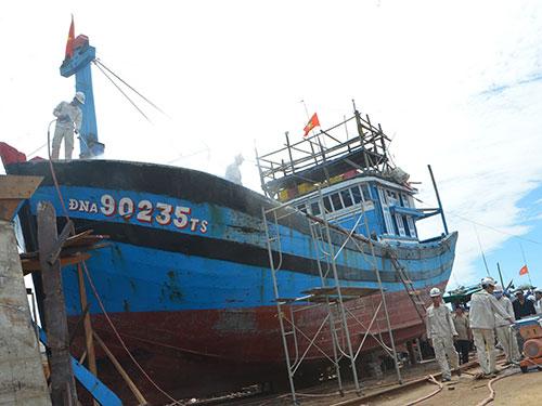 Tàu cá của ông Trương Văn Hay (TP Đà Nẵng) bị hư hỏng nặng, chưa được chi trả bảo hiểmẢnh: BÍCH VÂN