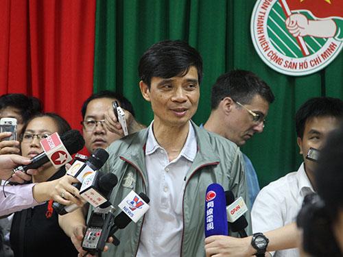 Thứ trưởng Bộ Giao thông Vận tải Phạm Quý Tiêu cho biết vẫn chưa tìm ra dấu tích máy bay Ảnh: Ca Linh