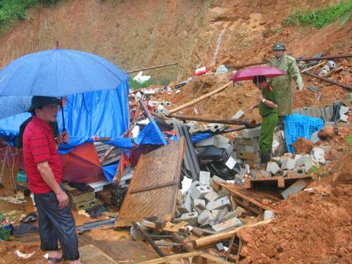 Cảnh ngổn ngang sau vụ sạt lở đất ở tỉnh Lạng Sơn Ảnh: HÙNG TRÁNG