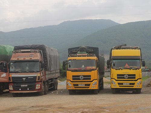 3 xe biển số Bình Định chở quá tải từ 86%-110% bị tạm giữ tại Trạm cân Hà Tĩnh
