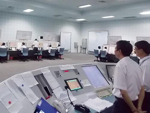 Bên trong Trung tâm Kiểm soát đường dài - Tiếp cận tại sân bay Tân Sơn Nhất