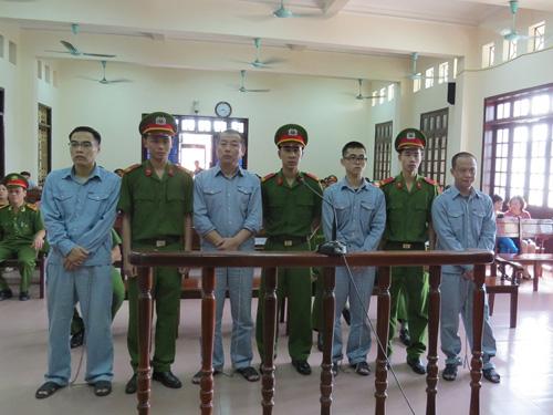 4 bị cáo là các hacker ngưởi Trung Quốc trước vành móng ngựa
