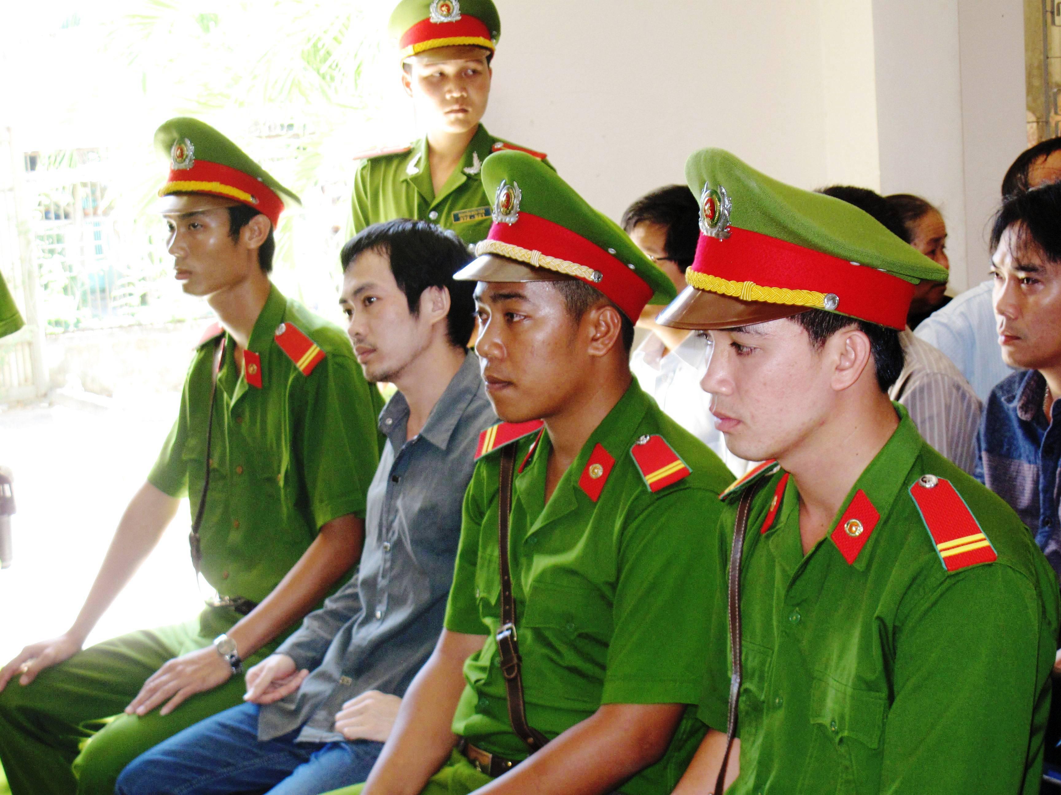 Gia đình bị cáo Nguyễn Thân Thảo Thành cho biết sẽ kháng án