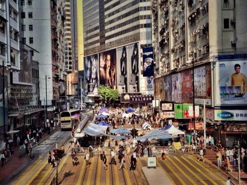 Cánh tài xế taxi ở Hồng Kông bị ảnh hưởng nặng nề vì người biểu tình phong tỏa nhiều tuyến đường. Ảnh: SCMP