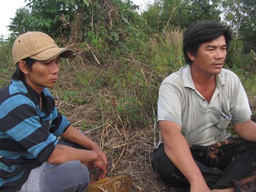 Nguyễn Phúc Thành (phải) - người đã tố giác thủ phạm gây ra vụ án giết chết bà Lê Thị Bông Ảnh: Bạch Long