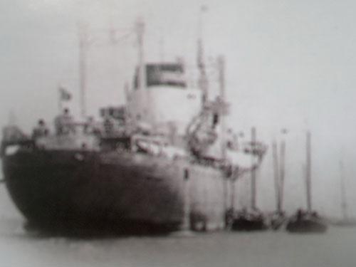Một trong những chiếc tàu đã đón học sinh từ mũi Cà Mau tập kết ra Bắc