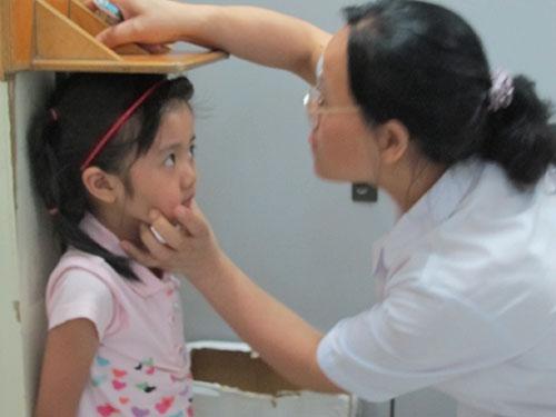 Dinh dưỡng hợp lý là yếu tố quan trọng giúp trẻ phát triển chiều cao tối đa